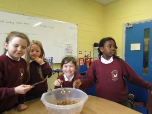 rice crispie buns and gaeligor na seactaine 044